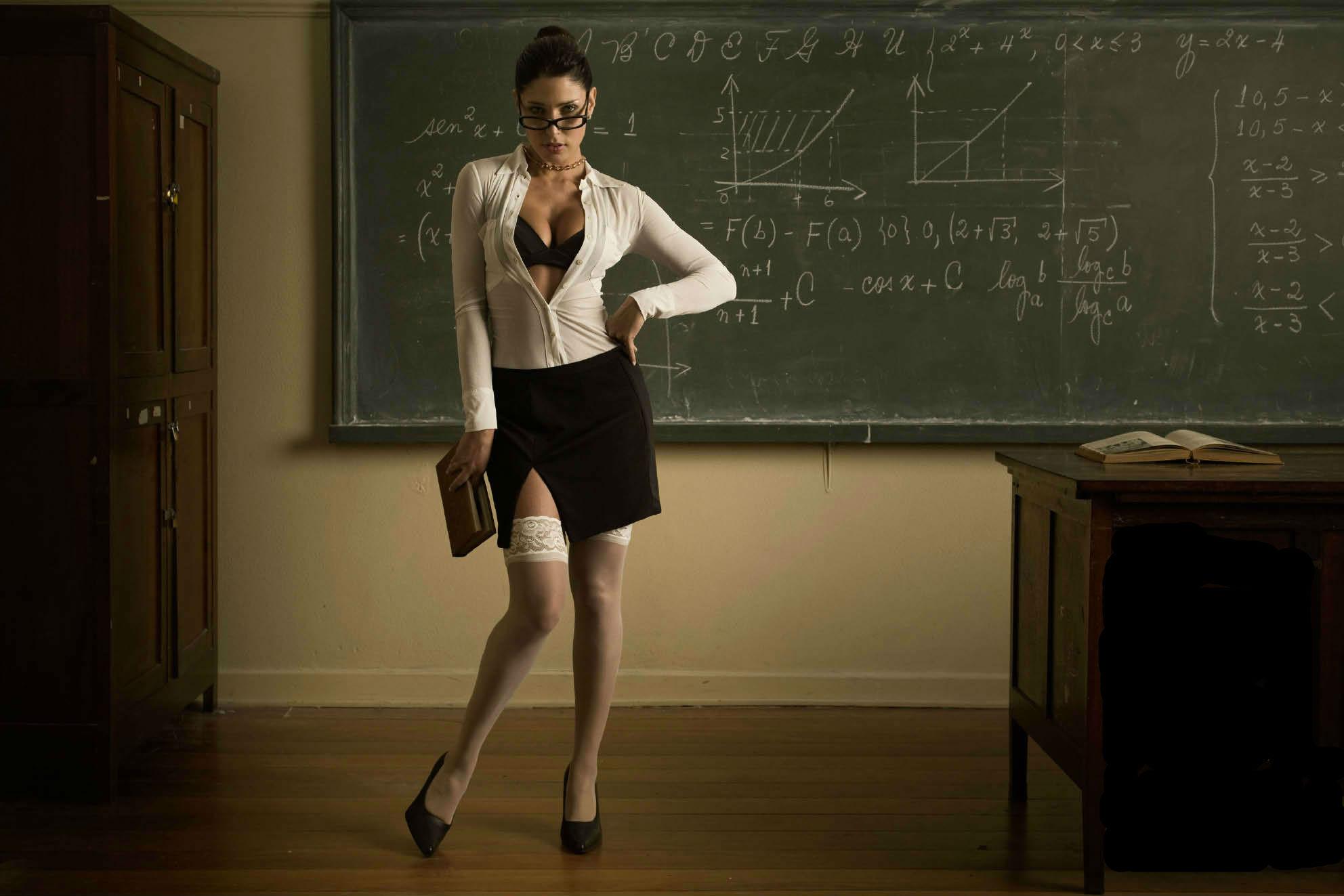 Нежная учительница