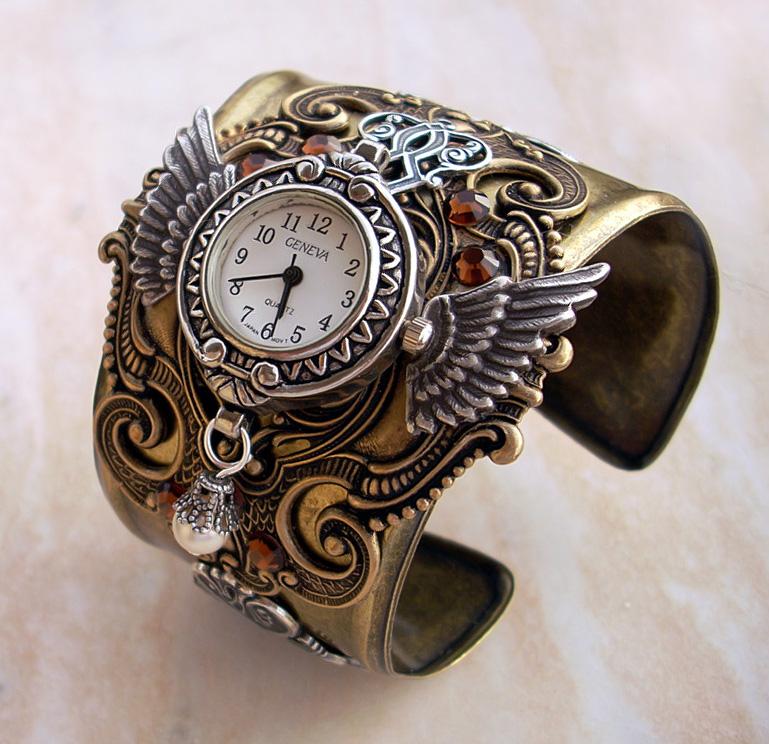 Часы украшение своими руками
